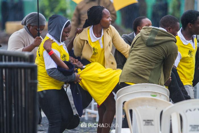 Papal_Mass_Pope_in_Kenya_Mwangi_Kirubi-11