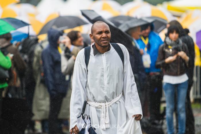 Papal_Mass_Pope_in_Kenya_Mwangi_Kirubi-12