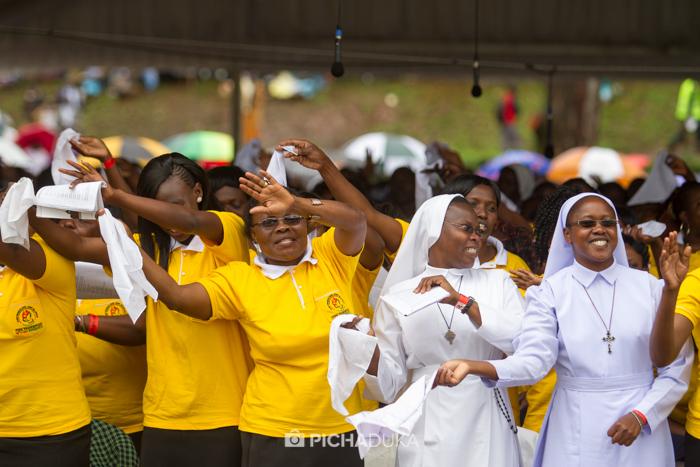 Papal_Mass_Pope_in_Kenya_Mwangi_Kirubi-30