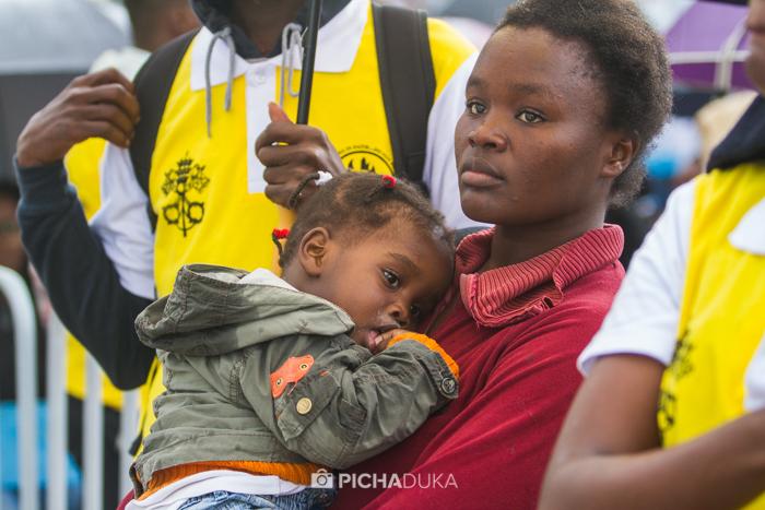 Papal_Mass_Pope_in_Kenya_Mwangi_Kirubi-4