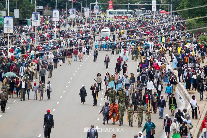 Papal_Mass_Pope_in_Kenya_Mwangi_Kirubi-58
