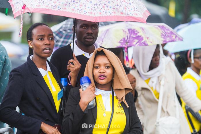 Papal_Mass_Pope_in_Kenya_Mwangi_Kirubi-6