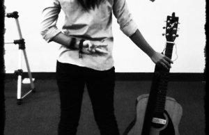 mariam nadee & guitar kevin