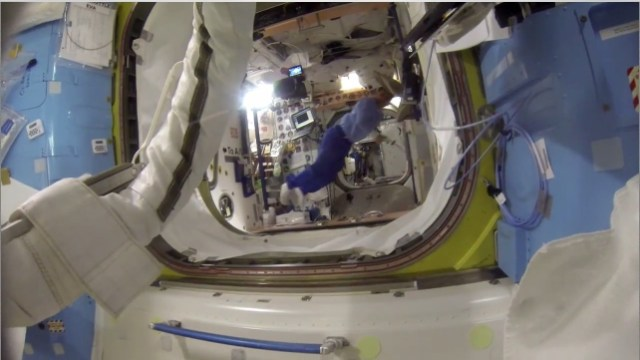 Caminhada Espacial ISS (Fonte: Nasa/ISS)