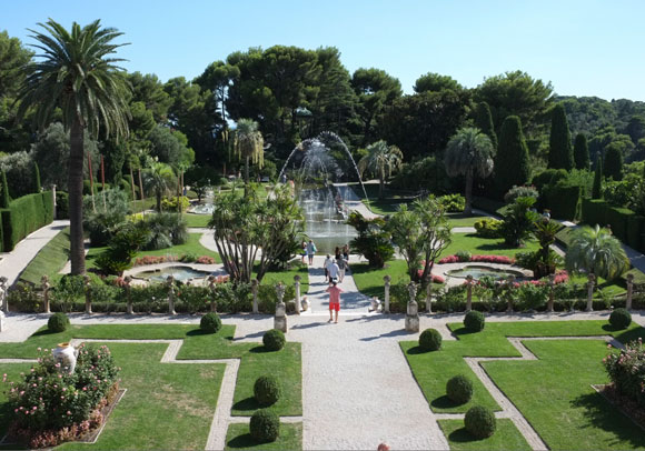 French-Garden-Rothschild-Villa