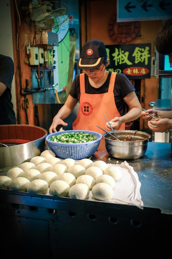 baked-buns-shinlin-night-market