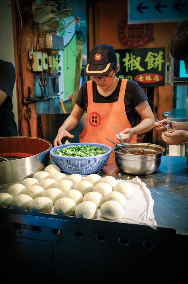 baked-buns-shinlin-night-market