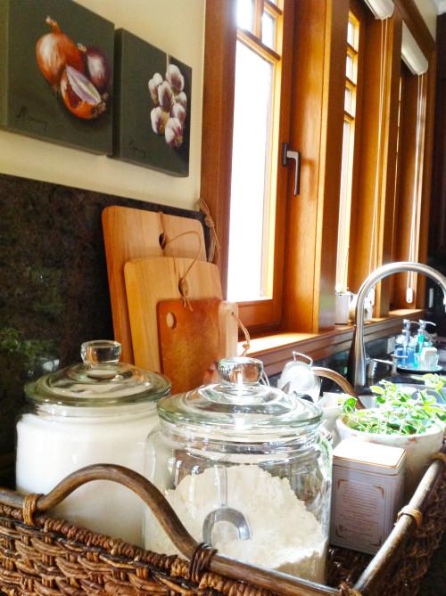 Jars In Woven Tray - mydearirene