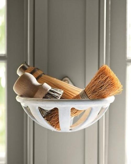 martha-stewart-brushes-sinks