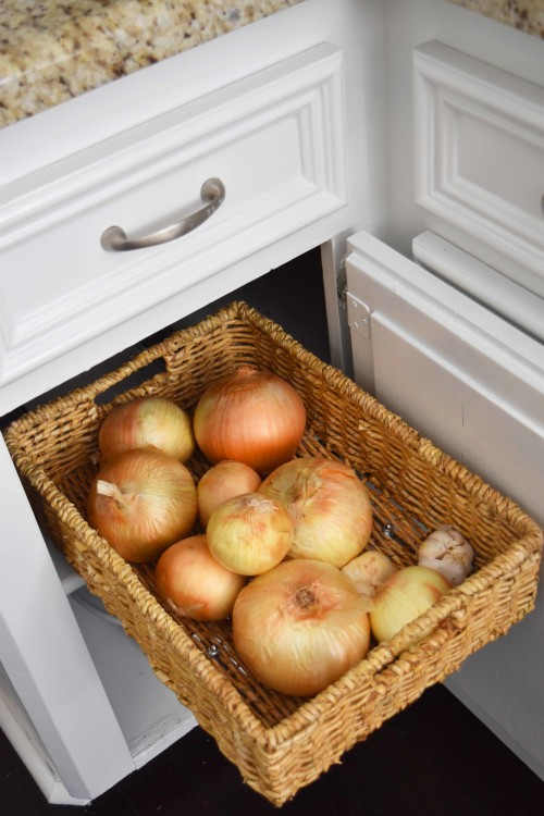 Pull-Out Basket With Onions - mydearirene.com