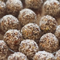 Almond Date Energy Balls