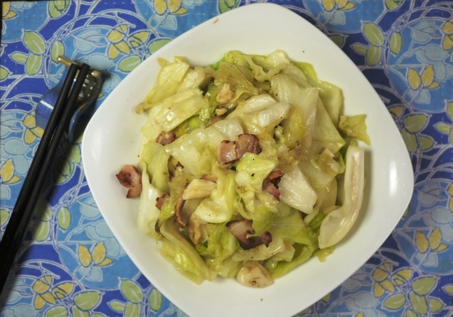 Quick and Easy Chinese Vegetable Stir-Fry: Taiwan Cabbage with Bacon bites