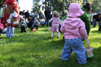 Youngsters are off and running during the 2011 Edmonds egg hunt at City Park.