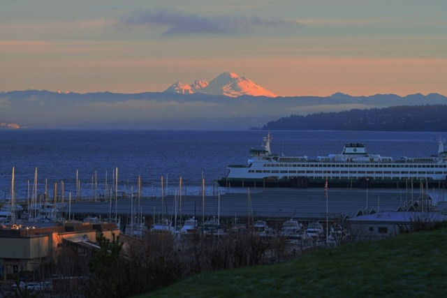 Caroline Pettit shared this gorgeous photo taken by her daughter Erin Monday morning from Point Edwards.   Erin is visiting Edmonds from Fairbanks, Alaska.
