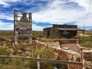 """The cool """"Ghost Town"""" of Two Guns"""