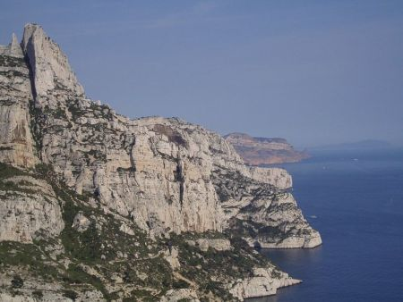 Les calanques - the sturdy, rugged landscapes in France, Image Wikimedia