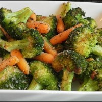 Simple Garlic Roasted Broccoli and Carrots