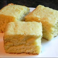 Fluffy Cake-Like Homemade Cornbread