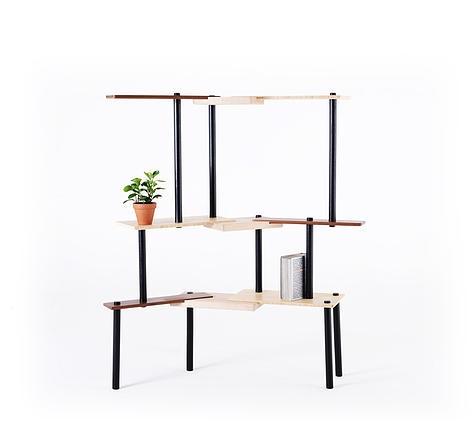 design cubii è un coffee table che può svilupparsi anche come divisorio, progettato dal giovane designer israeliano nir meiri