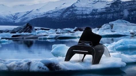 balena whaletone pianomaestoso come una balenasoffice e scorrevole come un movimento nel ghiaccio così descrive la sua creazione il designer polacco Robert Majkut