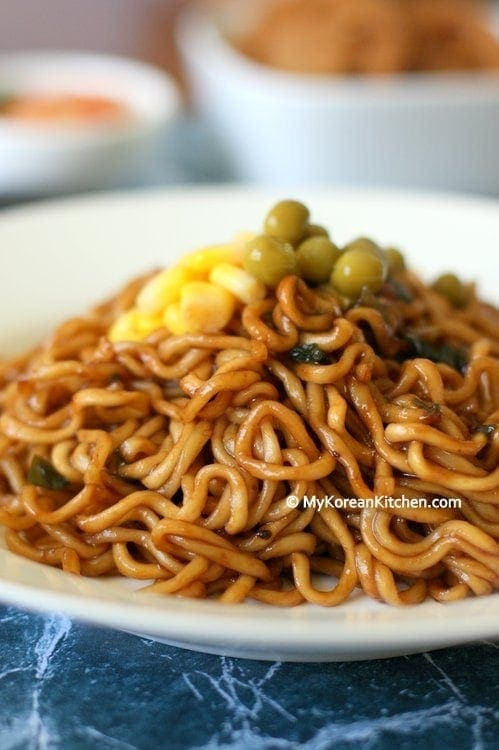 Jjapaguri (Korean Instant Noodles - Jjapaghetti and Neoguri combined)