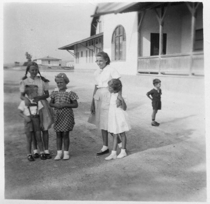 Meine Mutter in Puerto Chicama, Peru 50er Jahre