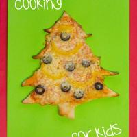 Cooking With Kids - Christmas Tree Pizza