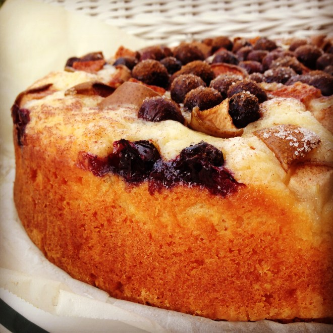 blueberry & pear yoghurt cake