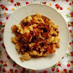 heirloom tomato penne w' crispy bacon crumbs