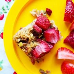 strawberry & pistachio flapjacks