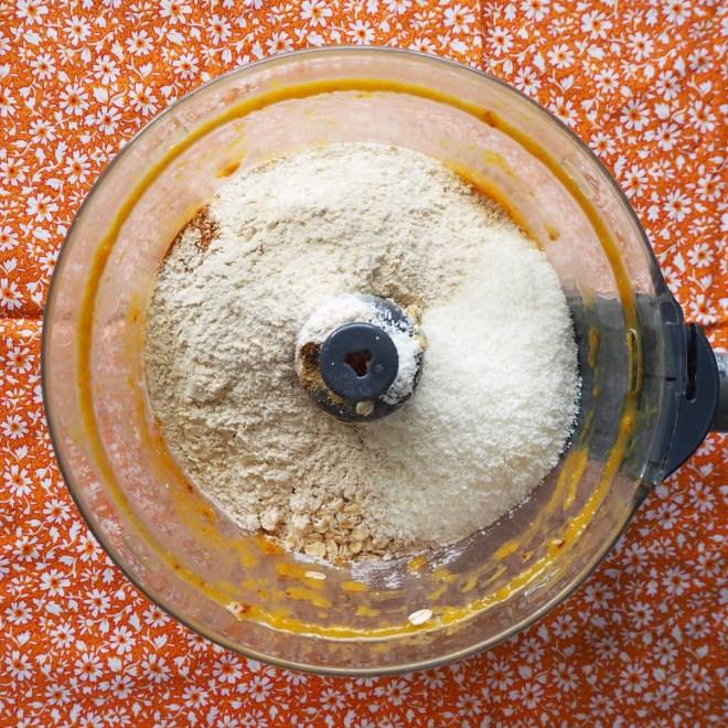 pumpkin choc oat bars