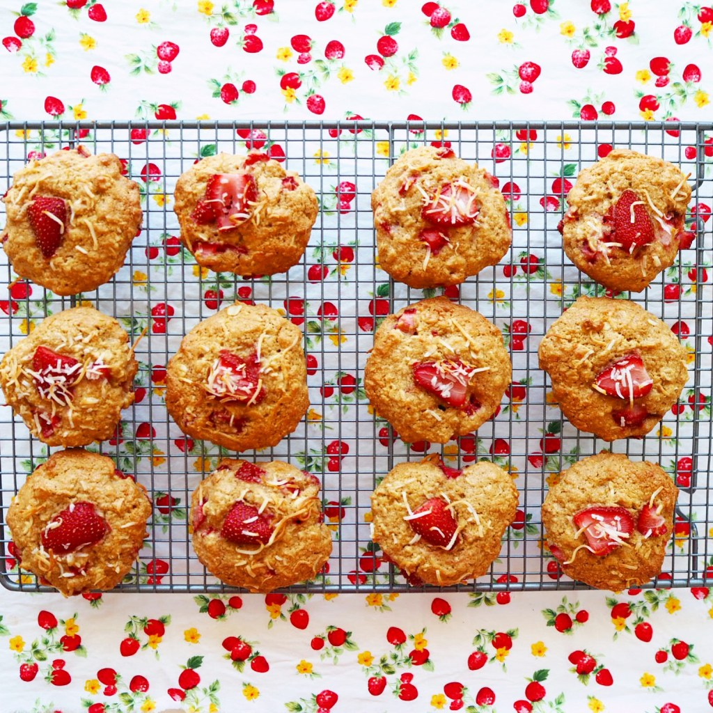strawberry coconut cookies