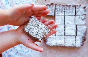 [no bake] choc coconut slice