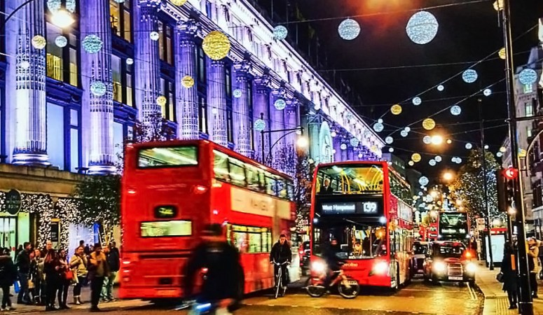 The Ultimate Travel Guide to Celebrating Christmas in London