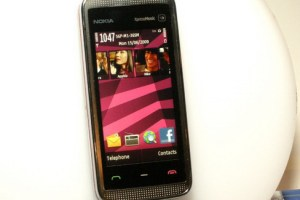 Live Pics of the New Nokia 5530 Xpress Music!