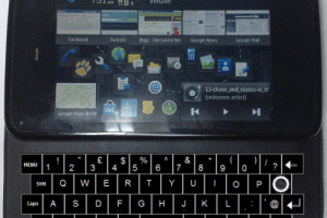 If N900 had a 4-row keyboard and/or a tilted screen?