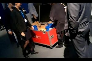 Video: The Free Nokia N8 moment at Nokia World 2010 by @WOMWorldNokia's @riccwebb (filmed by Nokia N8)