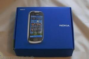 "Video: TracyandMatt's unboxing and ""demo"" of the Nokia C7"