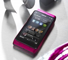 Officially Pretty in Pink – Nokia N8 Intense Pink released, (with Symbian Anna?)