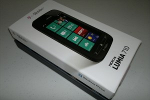 Video: T-Mobile Lumia 710 Unboxing