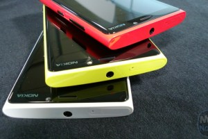 Clove UK To Replenish Lumia 920 Stock (Red & Black) on Jan. 8th