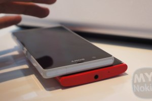 Video: Nokia Lumia 920 Vs. Sony Xperia Z; Hardware/Design Comparison