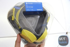 Accessories: Nokia Coloud Boom Headphones Unboxing. Video by Nokia Lumia 925 and Pro Cam