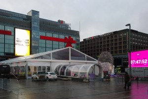 "Jolla sale event preparation pics – ""Finland's Funnest Queue"""
