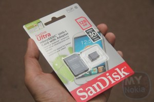 Accessories: Sandisk 128GB MicroSDCX UHS-1 on Nokia Lumia 1520