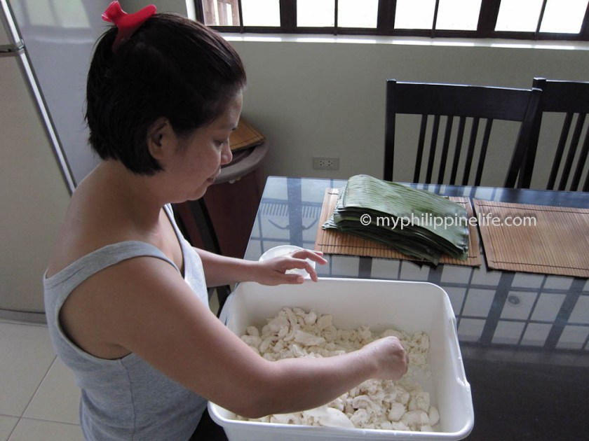 Grated coconut and sugar are blended with the cassava