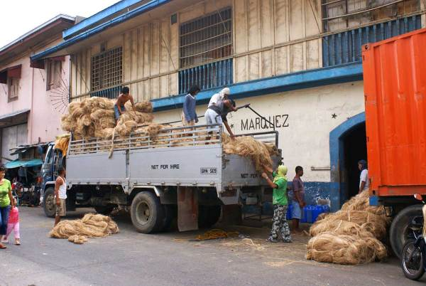 Unloading Ababa on the Iloilo River Front