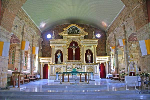 Alimodian Church - Interior, Retablo