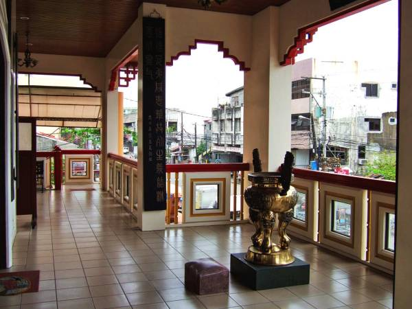 Chinese temple in iloilo city my philippine life for Balcony overlooking city