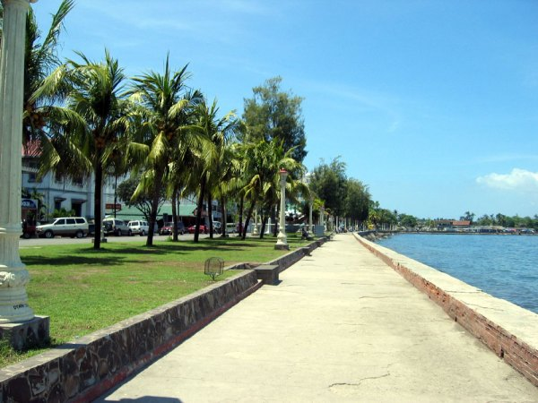 Dumaguete's Crown Jewel - The Oceanfront Promenade
